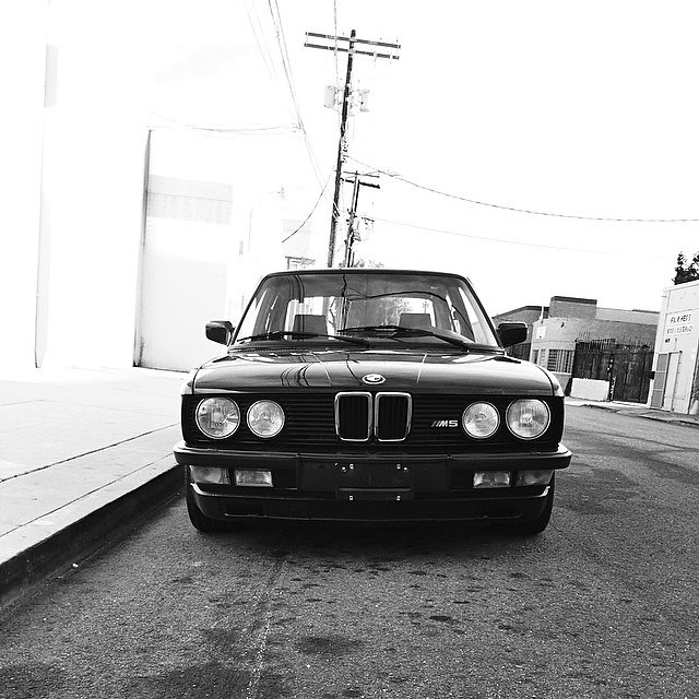@bmw #E28 in the wild. I heard it's back up and running like a champ again!